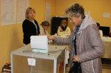 дер. Кипень. Голосование избирателей на избирательном участке № 642